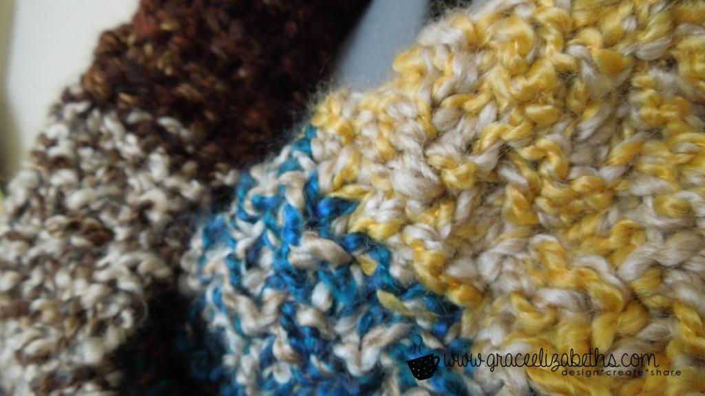 Yarn Stash Buster: Cowl closeup - Free Pattern